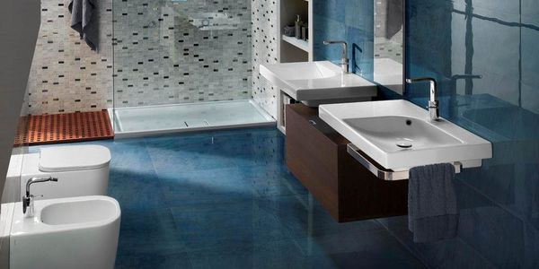Hatria specializes in the production of ceramic sanitaryware for the contemporary bathroom.